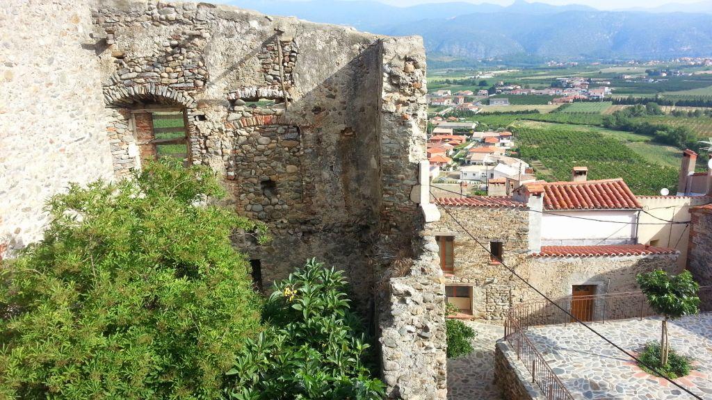 Joch castle walls