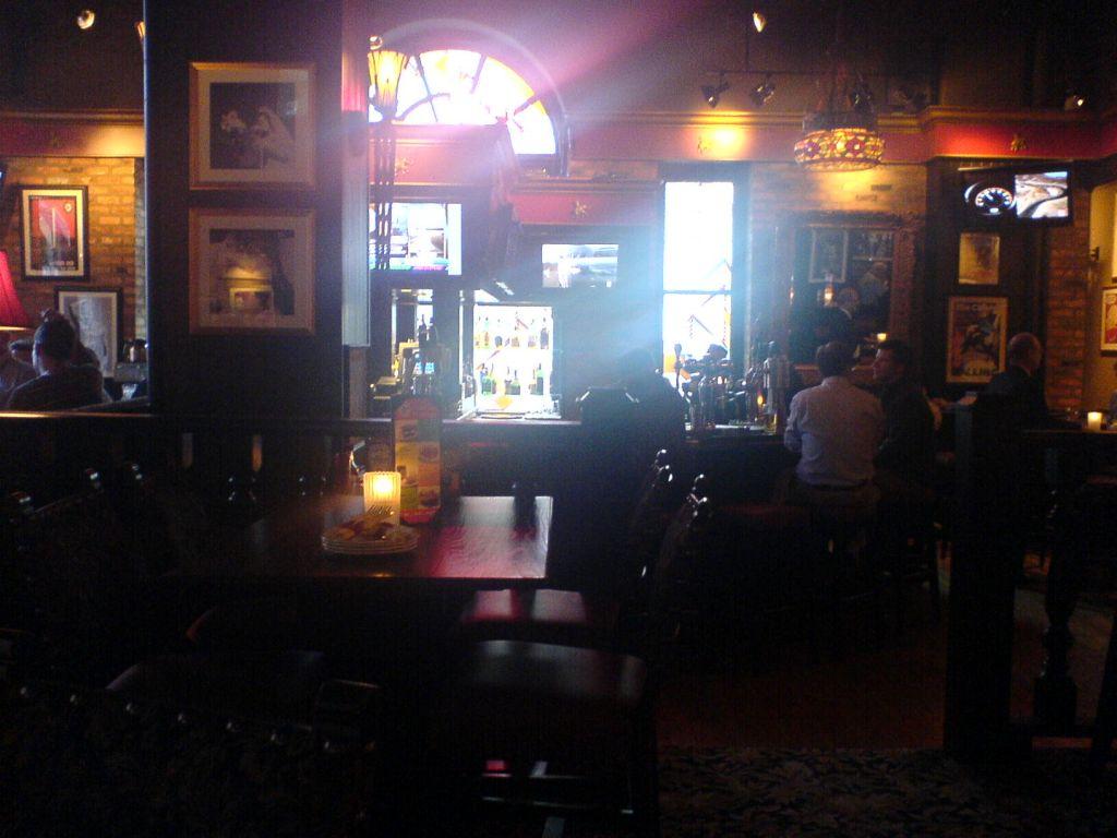 Elephant & Castle Bar in Toronto