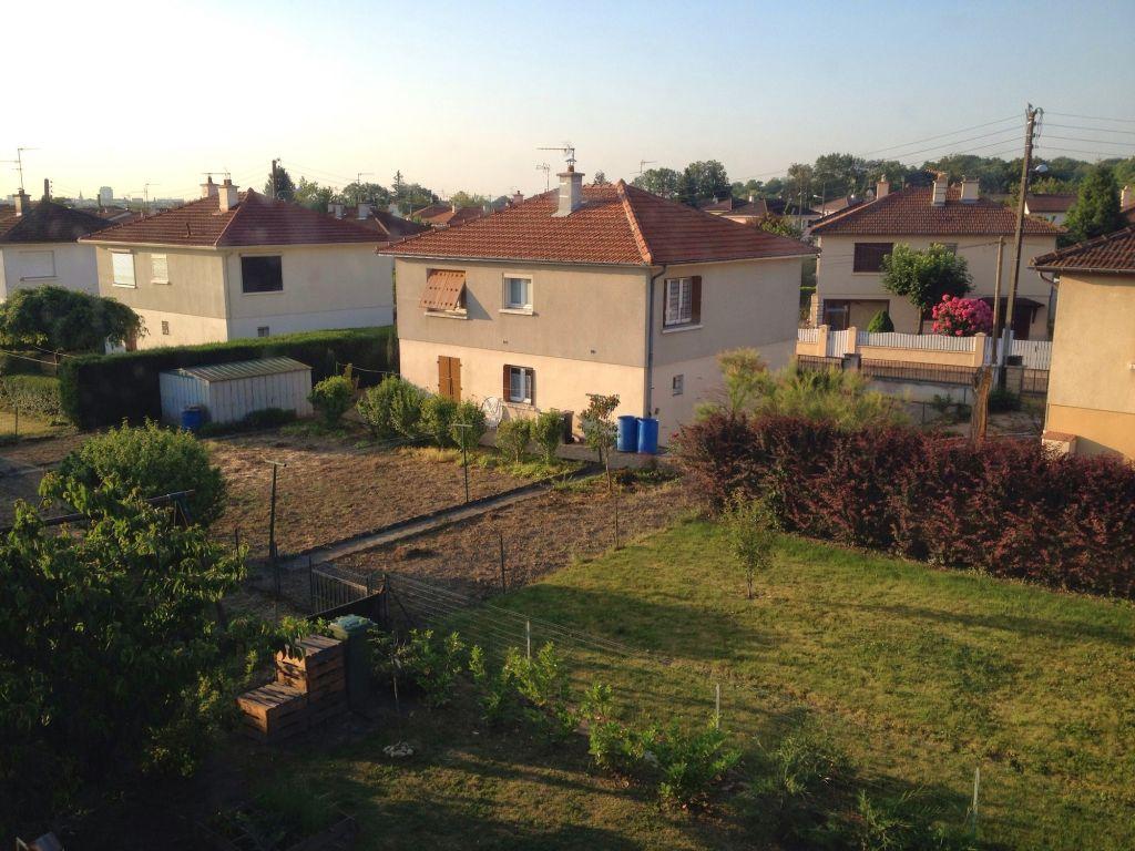 Michel's backyard in Châtenoy-le-Royal France