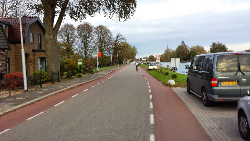 A cyclist just past me at Aalsmeer