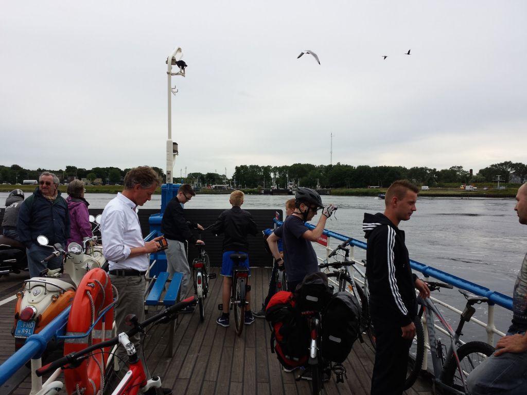 Velsen Zuid Ferry