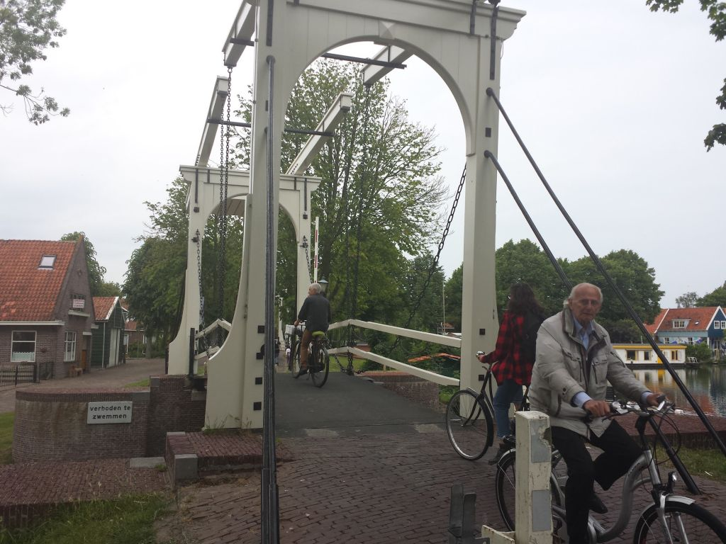 Cycle bridge in Edam