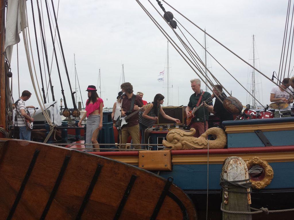 Music from ship in Volendam